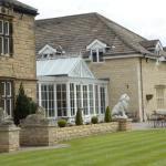 Best Western Plus Rogerthorpe Manor Hotel Photo