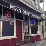 Foto de Moes Crosstown Tavern