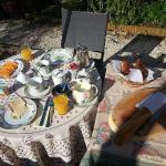 Desayuno en jardín