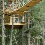aircastle - a treehouse for two - popular for honeymoon :)