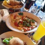 buffalo chicken slider, flatbread, fish n chips at happy hour