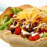 Taco salad (Seasonened ground beef)