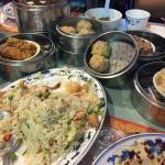 Foto de Golden Lotus Chinese Restaurant