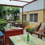Photo de Cafe Mitra & Lounge Bar