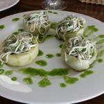 Alcachofas con gulas. ...deliciosas.