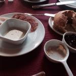 Café da manhã pobre e mesquinho incompatível com valor da diária R$1.200,00!!! Uma fatia de frio