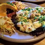 Opalanok (pół porcji) - placek ziemniaczany z szynką, boczkiem, serem żółtym i oscypkiem; surówk