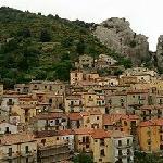 Borgo di Castel Mezzano