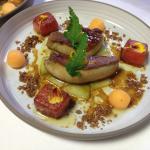 Foie gras de canard poelé - melon et pastèque - jus perlé au Macvin