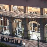 Hotel Entrance Valet
