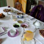 Le petit déjeuner est discret, attentionné et gourmand.