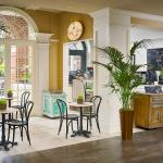 Caffe Siena espresso bar located in the lobby