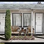 Ray's Den Motel