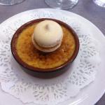 Crème brûlée au foie gras et macaron au poivre et fruits exotiques