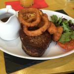 Foto de The Saracen's Head Steakhouse