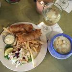 Chouder, Fish & Chips, White housewine