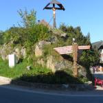 in het dorp.