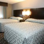guest rooms with 2 queen beds