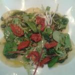 Ravioles chévre/parme tomates confites sauce pesto