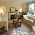 Skylark Cottage at Ross sitting room