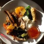 Foto af thaimenu. Da det er en buffet, kan du tage mad flere gange. Selv synes jeg, at det er me