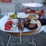 Foto van Cine Manto Cafe Restaurant