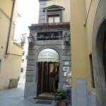 Hotel Albergo Firenze entrance
