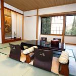 床の間・掛け軸などを有した純和風のお部屋です