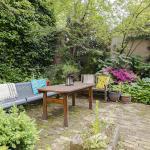Suite, with garden