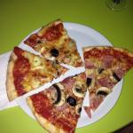 Deux Freres Restaurant & Pizza