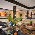 Photo de BEST WESTERN PLUS Addison Galleria Hotel