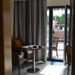 Sitzecke mit Balkontür zur Terrasse