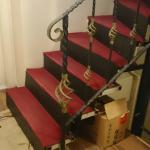 лестница в отеле между этажами