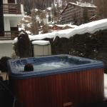 Hot tub out back. Great after a day of skiing.