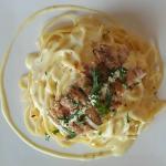 Creamy spaghetti carbonara with grilled chicken