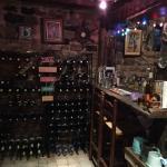 La cave avec le bar en libre service
