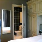 habitacion y baño