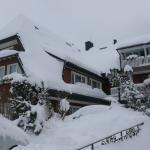 Hotel im Winterkleid