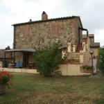 Gli appartamenti Tiglio (sotto) e Olivo (sopra)
