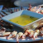 Pattes de crabe au beurre aillé