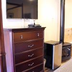 Deluxe Jacuzzi Room with Electric Fireplace