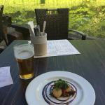 Gorgeous starter on the terrace: scallops and pulled pork.