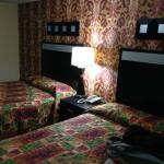 Town House Inn & Suites