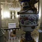 Stiegenaufgang mit Vase