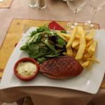 Magret de canard entier sauce béarnaise