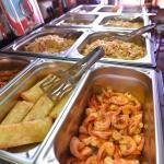 Buffet cucina cinese a pranzo