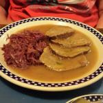 Saurbraten and red cabbage