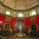 ROOM OF STATUTES IN UFFIZI (136181542)