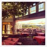 Biergarten mit Blick zur Sonnen-Terrasse / Patio with view to the sun terrace