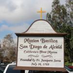 En la entrada a la Mision